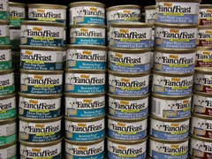 Tinned food - photo courtesy of Matty and Sharon at Stock.Xchng